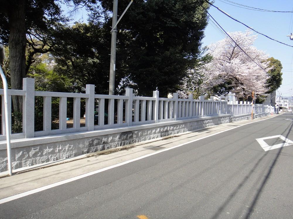 玉垣 神社を囲う石柵